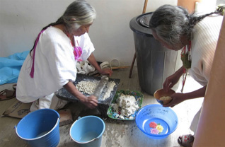 making-tortillas2